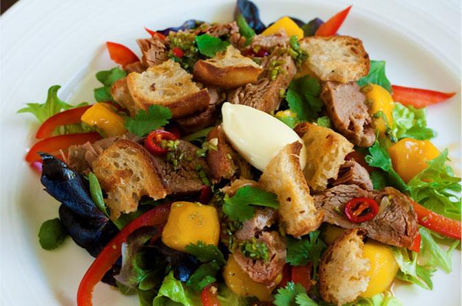 sezchan-crispy-duck-salad